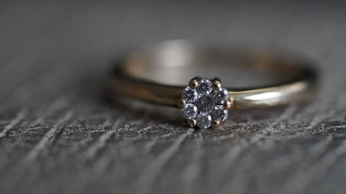 Bague en diamant : comment l'entretenir?